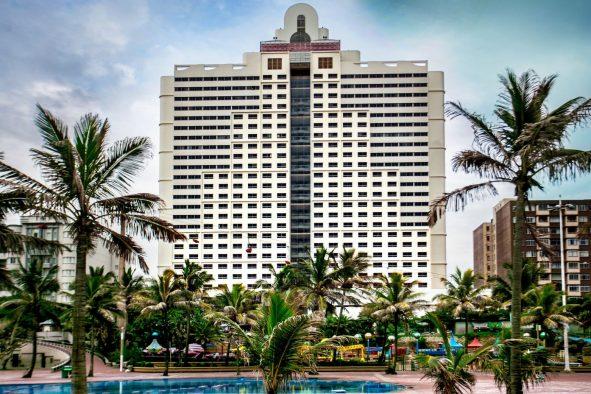 garden court marine parade hotel