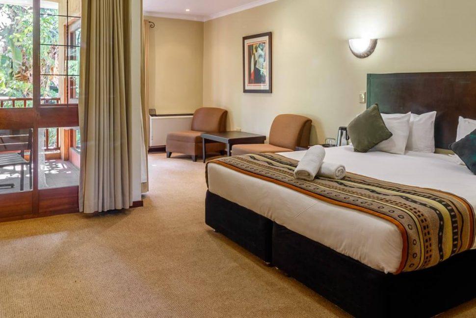 hotel numbi bedroom